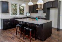 Craftsman Interior - Kitchen Plan #895-92