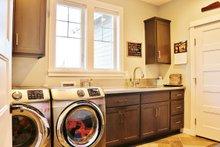 Craftsman Interior - Laundry Plan #1070-13