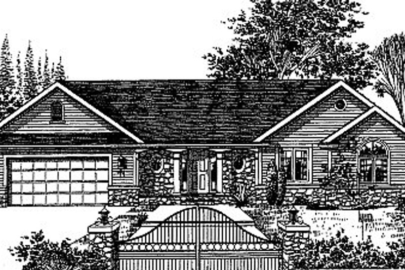 Traditional Style House Plan - 3 Beds 3 Baths 2268 Sq/Ft Plan #12-101 Exterior - Front Elevation