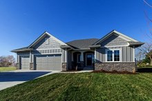Dream House Plan - Ranch Exterior - Front Elevation Plan #70-1458