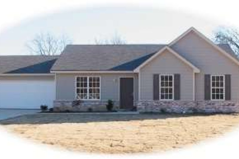 Ranch Style House Plan - 3 Beds 2 Baths 1247 Sq/Ft Plan #81-1383 Exterior - Front Elevation