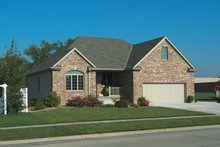 House Plan Design - Traditional Exterior - Front Elevation Plan #20-2423