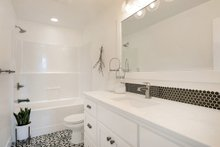 Farmhouse Interior - Bathroom Plan #1070-1
