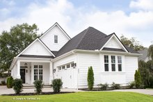 Craftsman Exterior - Front Elevation Plan #929-84