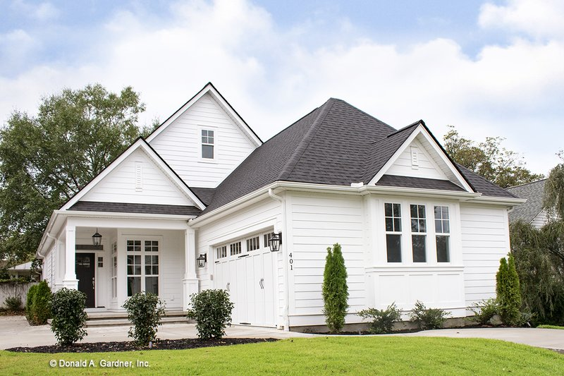 Architectural House Design - Craftsman Exterior - Front Elevation Plan #929-84