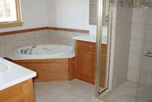 Traditional Interior - Master Bathroom Plan #939-2