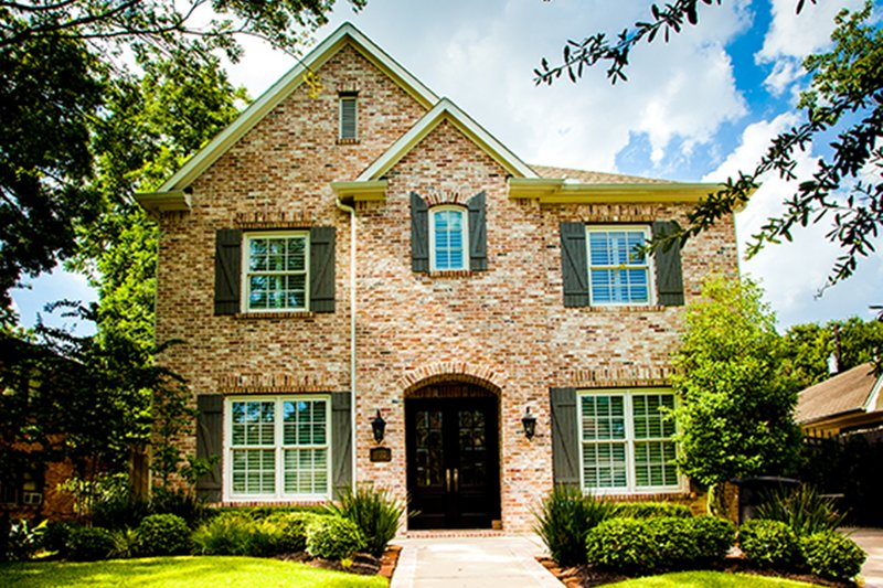 Traditional Exterior - Front Elevation Plan #1021-11 - Houseplans.com