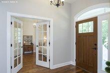 House Plan Design - Farmhouse Interior - Entry Plan #929-1044
