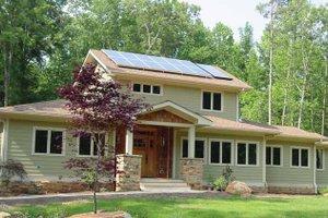 Craftsman Exterior - Front Elevation Plan #939-12