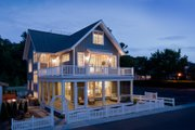 Beach Style House Plan - 4 Beds 3.5 Baths 2769 Sq/Ft Plan #901-120 Exterior - Front Elevation