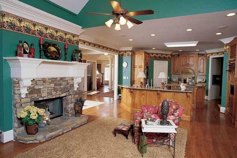 Colonial Interior - Family Room Plan #54-184 - Houseplans.com