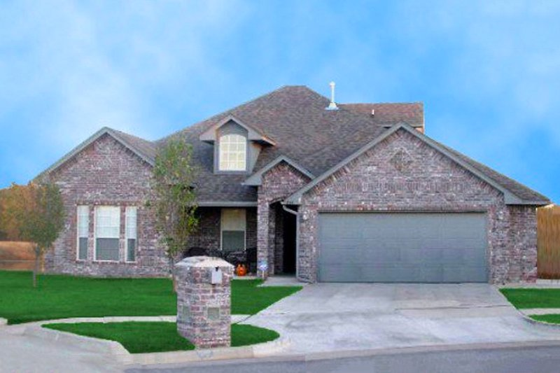 Traditional Style House Plan - 4 Beds 2 Baths 2010 Sq/Ft Plan #65-400 Exterior - Front Elevation