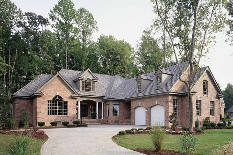 Traditional Exterior - Front Elevation Plan #929-177 - Houseplans.com