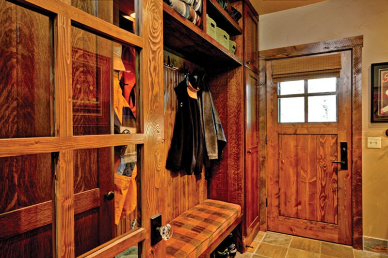 Cabin Interior - Entry Plan #942-25 - Houseplans.com