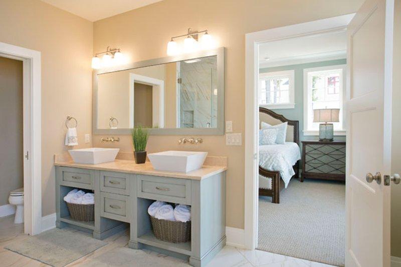 Craftsman Interior - Master Bathroom Plan #928-268 - Houseplans.com