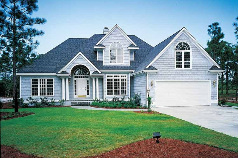 Dream House Plan - Traditional Exterior - Front Elevation Plan #929-110