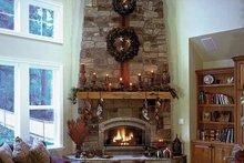 Craftsman Interior - Family Room Plan #132-351