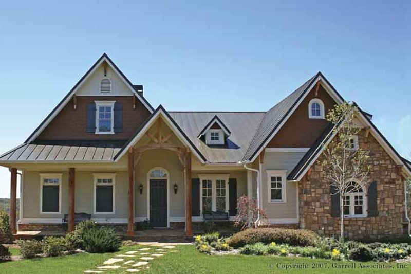 Traditional Exterior - Front Elevation Plan #54-256 - Houseplans.com
