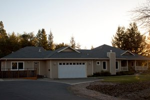 Ranch Exterior - Front Elevation Plan #515-14