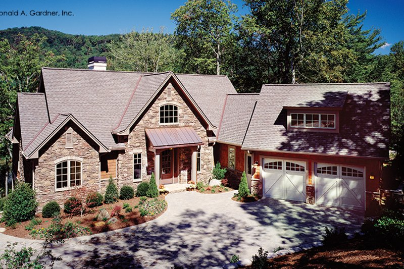 European Exterior - Front Elevation Plan #929-899 - Houseplans.com