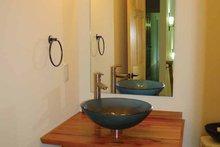 Ranch Interior - Bathroom Plan #939-8