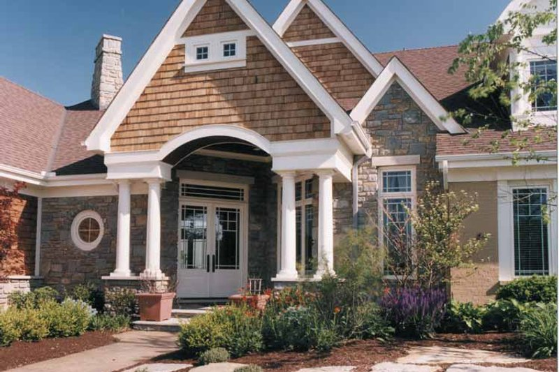 Traditional Exterior - Front Elevation Plan #46-671 - Houseplans.com