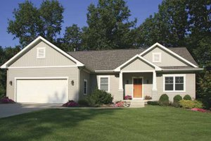 Craftsman Exterior - Front Elevation Plan #928-120