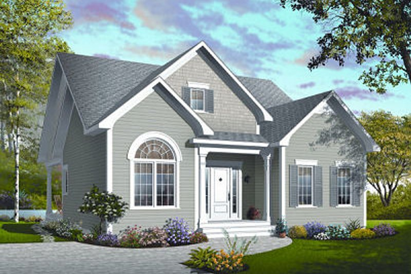 Traditional Exterior - Front Elevation Plan #23-781 - Houseplans.com
