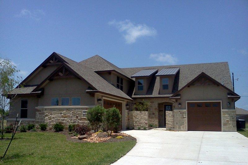 House Plan Design - European Exterior - Front Elevation Plan #20-2437