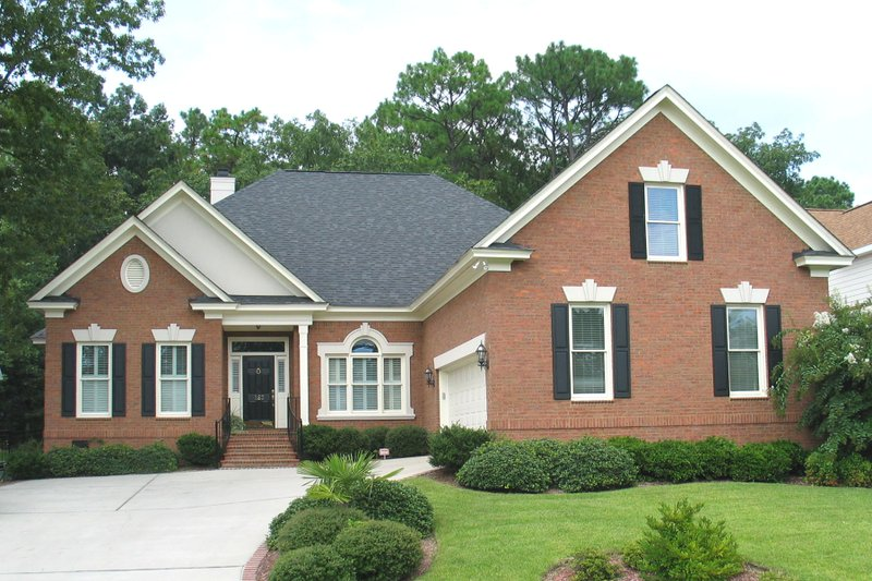 Home Plan - Traditional Exterior - Front Elevation Plan #1054-86