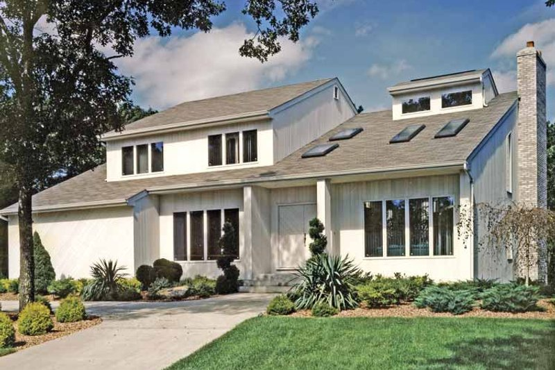 Home Plan - Contemporary Exterior - Front Elevation Plan #314-259