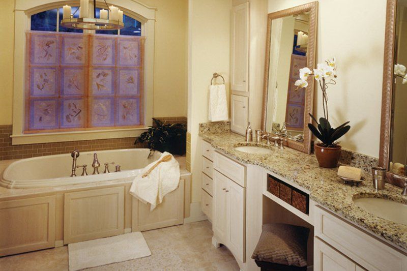 European Interior - Master Bathroom Plan #929-899 - Houseplans.com