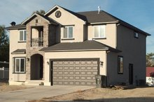 Dream House Plan - Traditional Exterior - Front Elevation Plan #1060-7