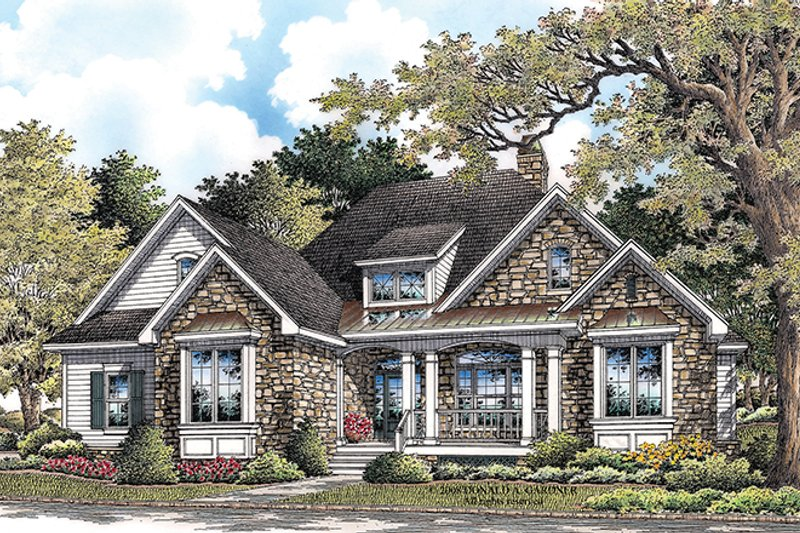 Traditional Exterior - Front Elevation Plan #929-925 - Houseplans.com