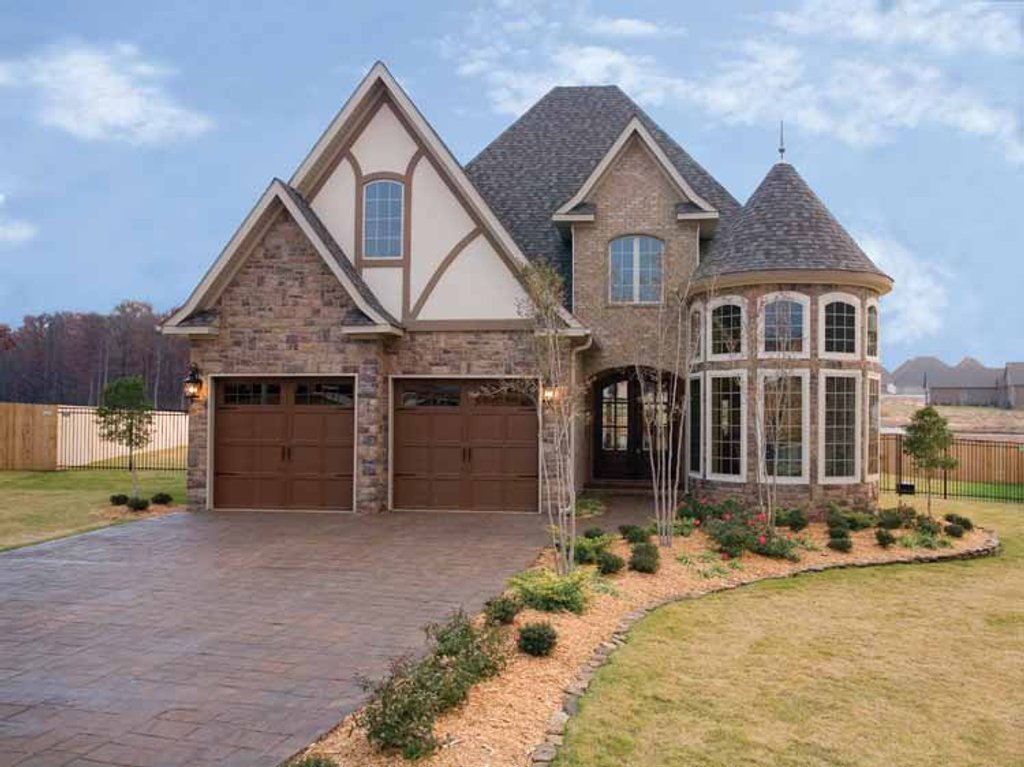 European Style House Plan 4 Beds 2 5 Baths 2889 Sq Ft