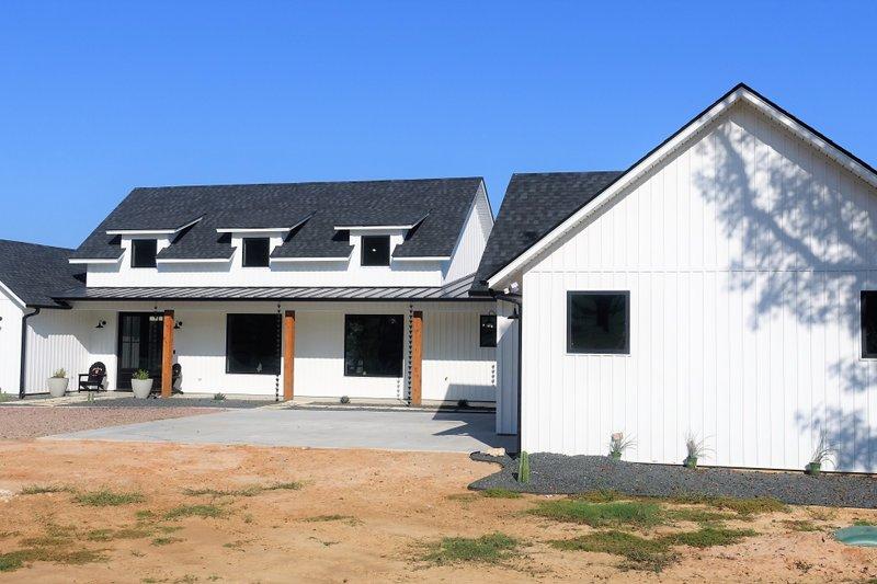 House Plan Design - Farmhouse Exterior - Front Elevation Plan #48-943