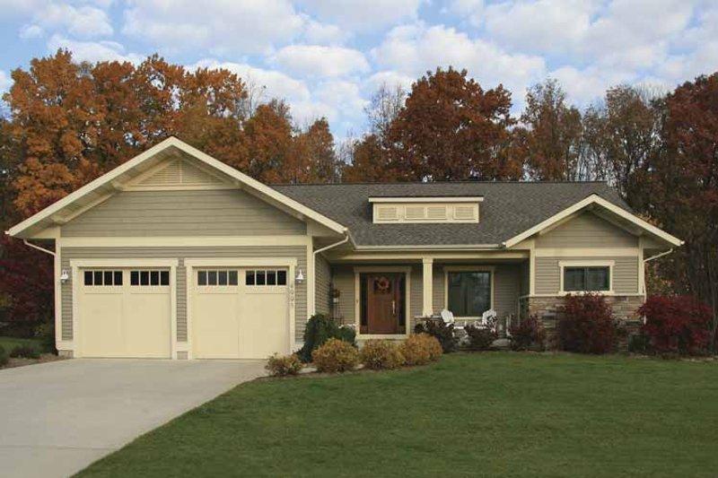 Craftsman Exterior - Front Elevation Plan #928-80 - Houseplans.com