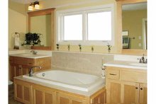 Craftsman Interior - Bathroom Plan #320-1006