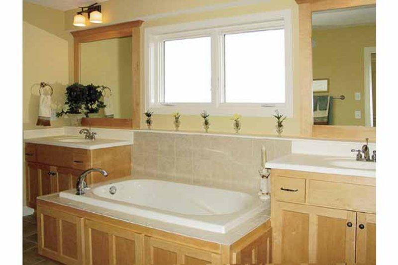 Craftsman Interior - Bathroom Plan #320-1006 - Houseplans.com