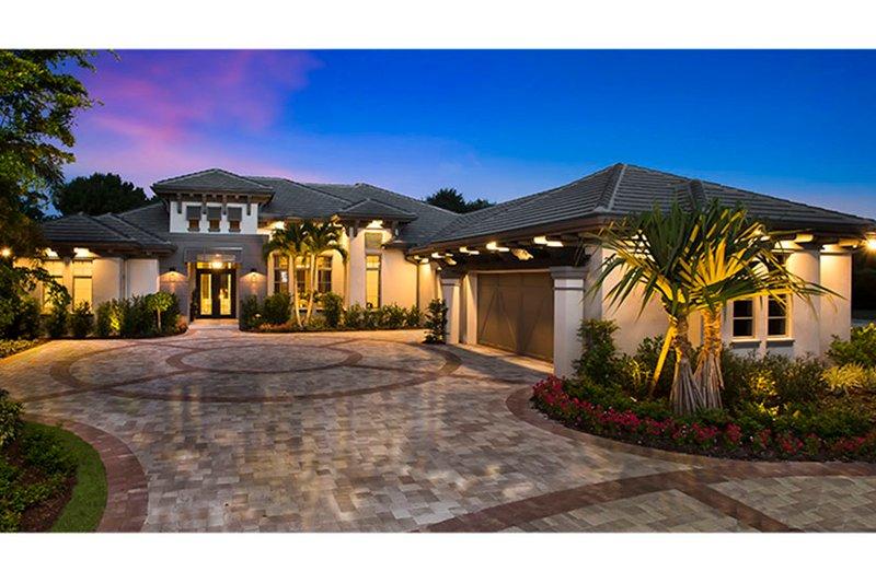 House Plan Design - Mediterranean Exterior - Front Elevation Plan #1017-160