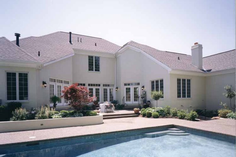 Traditional Exterior - Rear Elevation Plan #46-567 - Houseplans.com