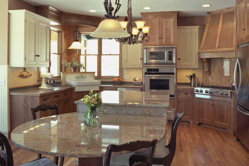 Traditional Interior - Kitchen Plan #51-680 - Houseplans.com