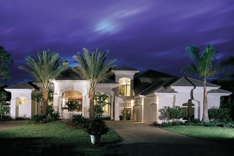 Mediterranean Exterior - Front Elevation Plan #930-15 - Houseplans.com