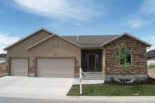 Ranch Exterior - Front Elevation Plan #1060-12