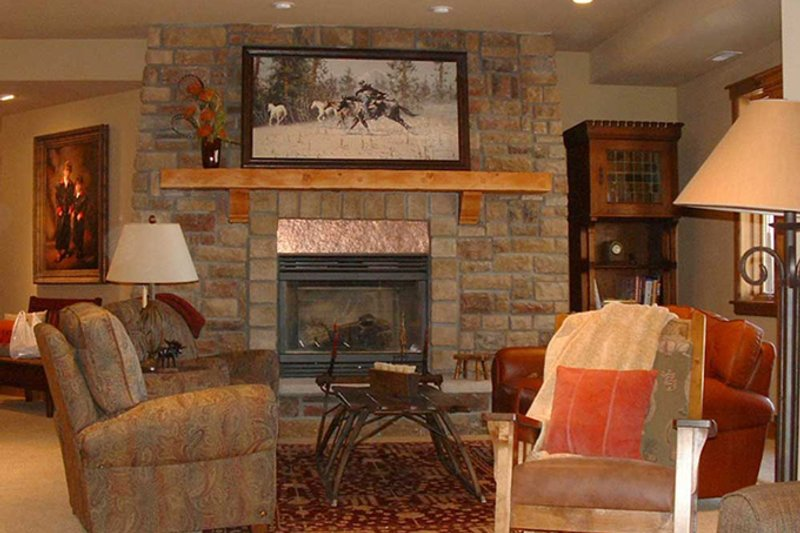 Craftsman Interior - Family Room Plan #942-16 - Houseplans.com