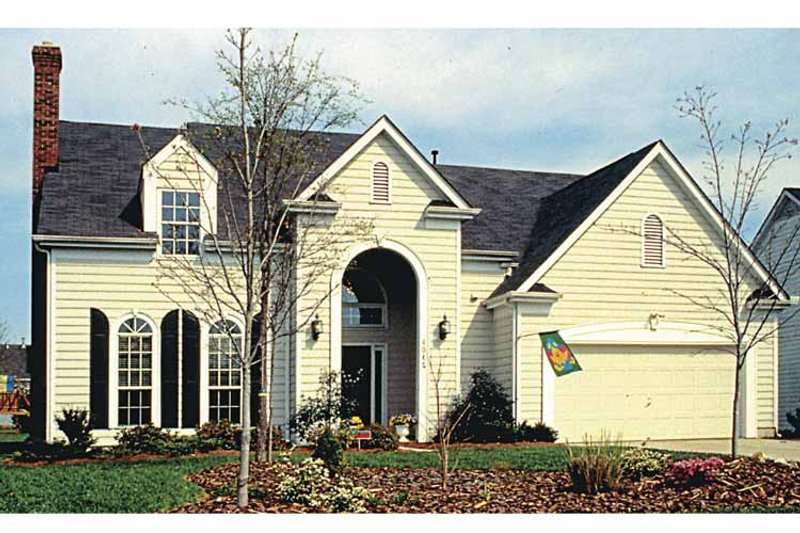 Traditional Exterior - Front Elevation Plan #453-482 - Houseplans.com