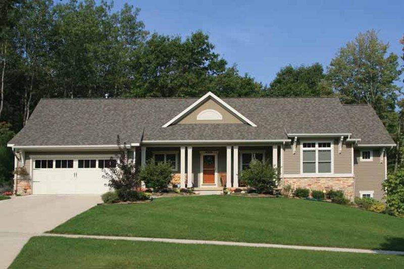 House Plan Design - Craftsman Exterior - Front Elevation Plan #928-142