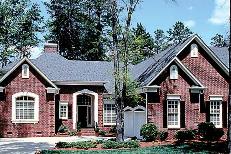 Traditional Exterior - Front Elevation Plan #453-97 - Houseplans.com