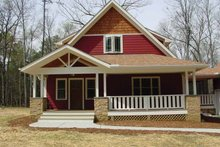 Traditional Exterior - Front Elevation Plan #939-3