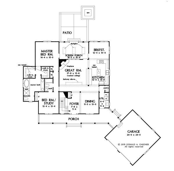 Farmhouse Floor Plan - Main Floor Plan #929-1116
